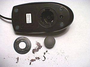 mouse_pallina_schifo_lercio-pulizia di tastiere e mouse