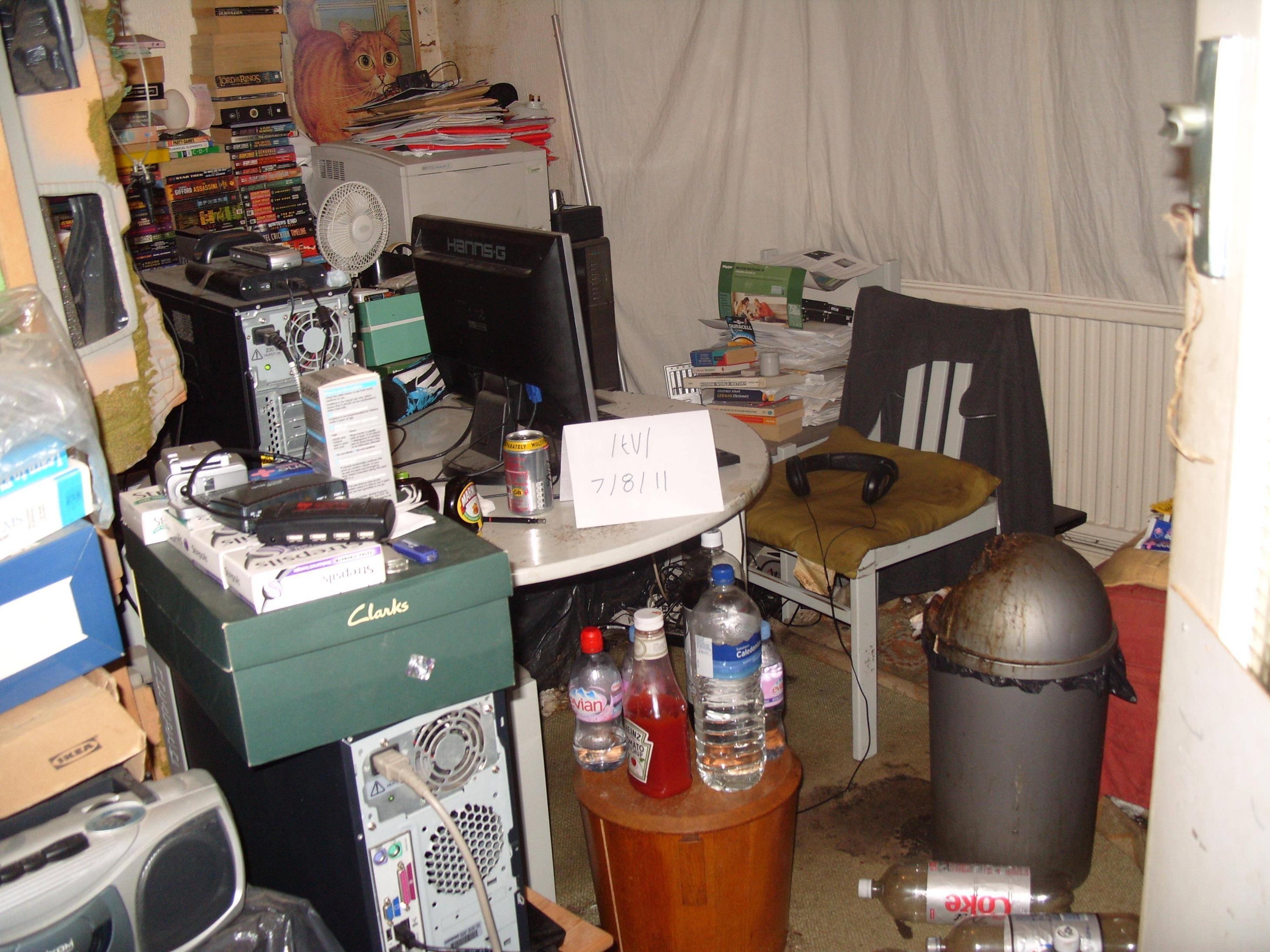 basement-shitstation (11)