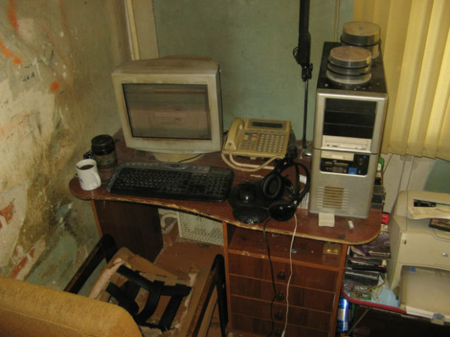 basement-shitstation (12)
