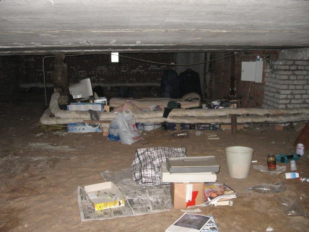 basement-shitstation (17)